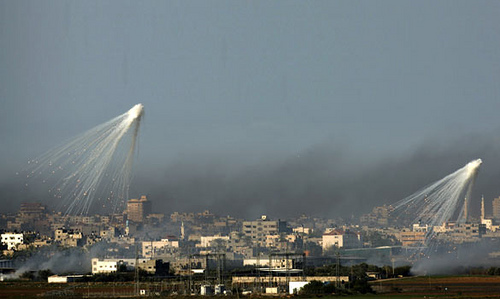 white_phosphorus_over_gaza.jpg